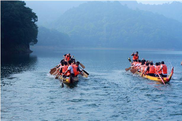 过浓情端午节,来ballbet贝博足彩湖体验划龙舟、包粽子的乐趣!